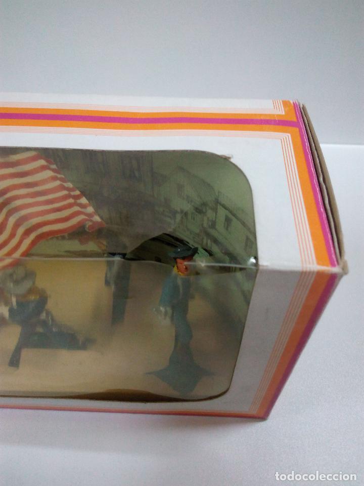 Figuras de Goma y PVC: COLECCION COMPLETA DE FEDERALES . REALIZADA POR OLIVER AÑOS 60 . CAJA ORIGINAL REF 1210 - Foto 10 - 68366301