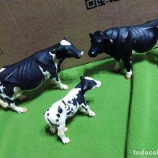 Figuras de Goma y PVC: CONJUNTO VACA, BUEY Y TERNERO. Lote 68686381
