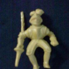 Figuras de Goma y PVC: JINETE MEDIEVAL CABALLERO LANZA. Lote 69247349