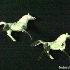 Figuras de Goma y PVC: DOS CABALLOS PINTOS COJOS NEGRO BLANCO. Lote 69247565