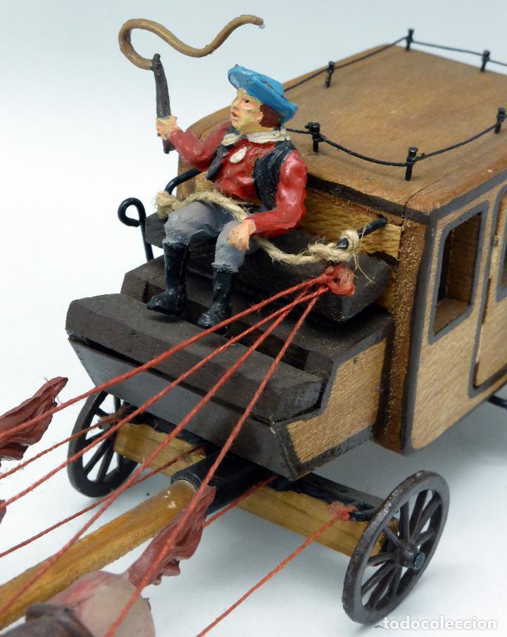Figuras de Goma y PVC: Diligencia Teixidó en madera caballos y conductor goma años 50 Buen estado - Foto 5 - 70006373