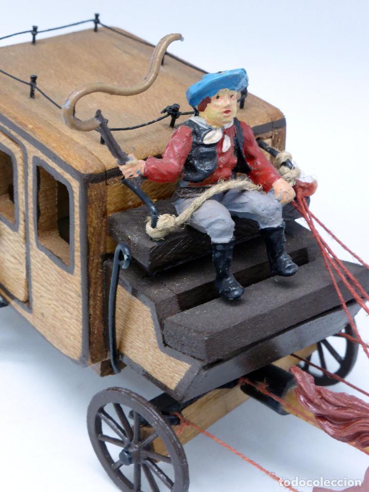 Figuras de Goma y PVC: Diligencia Teixidó en madera caballos y conductor goma años 50 Buen estado - Foto 6 - 70006373