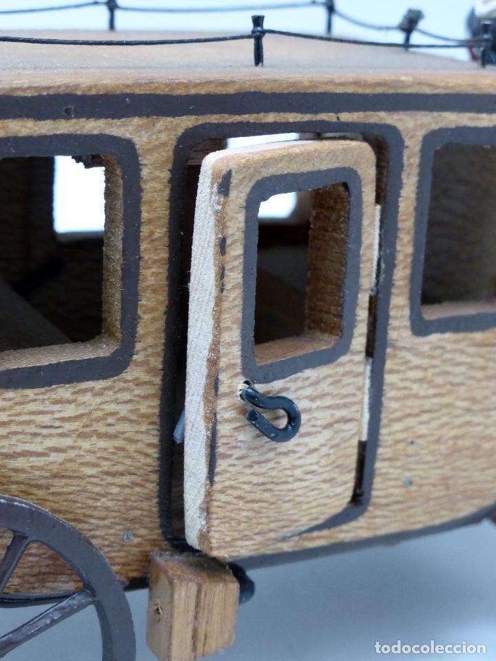 Figuras de Goma y PVC: Diligencia Teixidó en madera caballos y conductor goma años 50 Buen estado - Foto 7 - 70006373
