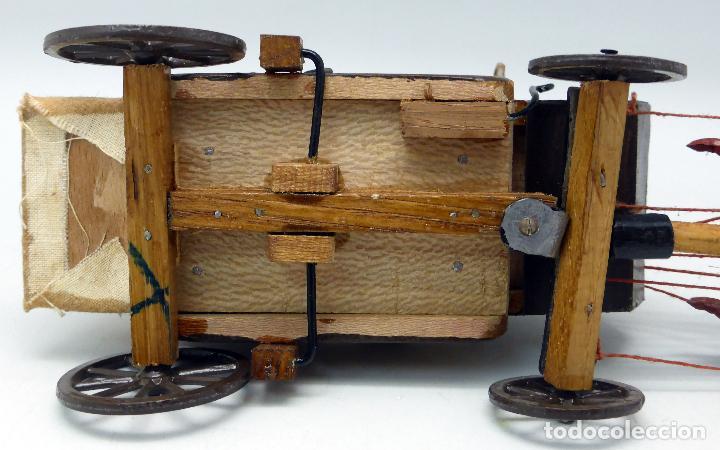 Figuras de Goma y PVC: Diligencia Teixidó en madera caballos y conductor goma años 50 Buen estado - Foto 9 - 70006373