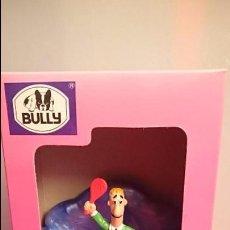 Figuras de Goma y PVC: FILIPRIM MUÑECO BULLY FIGURA ORIGINAL NUEVA SILLÓN AZUL COMICLAND YOLANDA. Lote 150674190