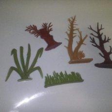 Figuras de Goma y PVC: LOTE TRONCOS Y PLANTAS PARA INDIOS Y VAQUEROS COMANSI. Lote 70556317