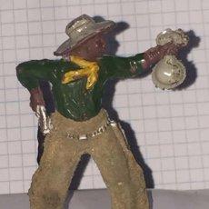 Figuras de Goma y PVC: FIGURA DE VAQUERO LAFREDO, REALIZADO EN GOMA AÑOS 50, PANTALON ATERCIOPELADO, MIDE 6 CMS DE ALTO.. Lote 72213055