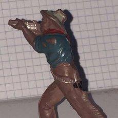 Figuras de Goma y PVC: FIGURA DE VAQUERO LAFREDO, REALIZADO EN GOMA AÑOS 50, MIDE 6 CMS DE ALTO.. Lote 72214175