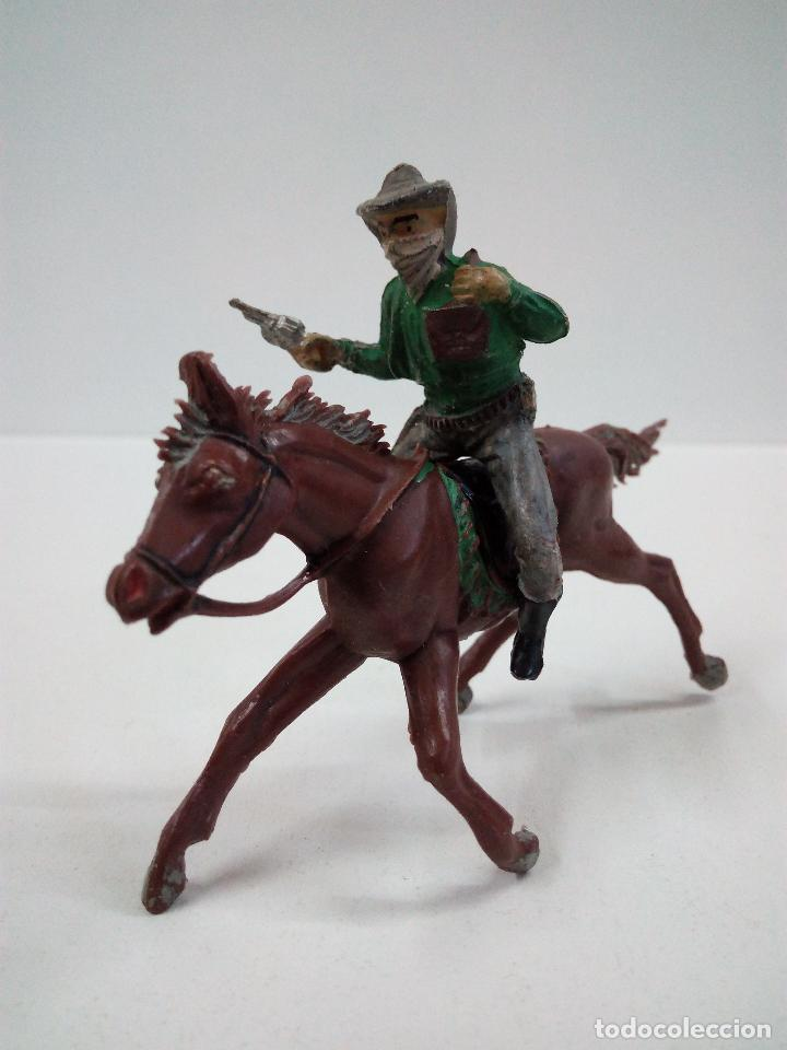 VAQUERO BANDIDO - ATRACADOR A CABALLO . REALIZADO POR PECH . AÑOS 50 EN GOMA (Juguetes - Figuras de Goma y Pvc - Pech)