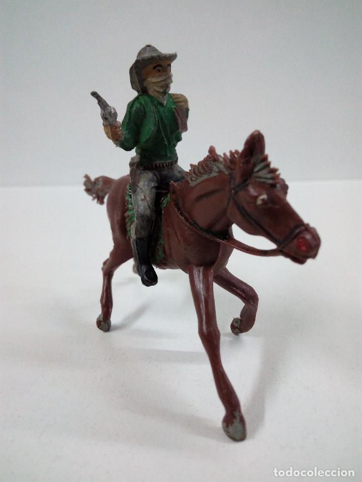 Figuras de Goma y PVC: VAQUERO BANDIDO - ATRACADOR A CABALLO . REALIZADO POR PECH . AÑOS 50 EN GOMA - Foto 2 - 72910683