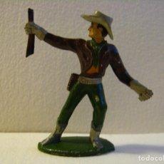 Figuras de Goma y PVC: VAQUERO COWBOY EN PIE, DE SOTORRES, GOMA, AÑOS 50. Lote 74971627