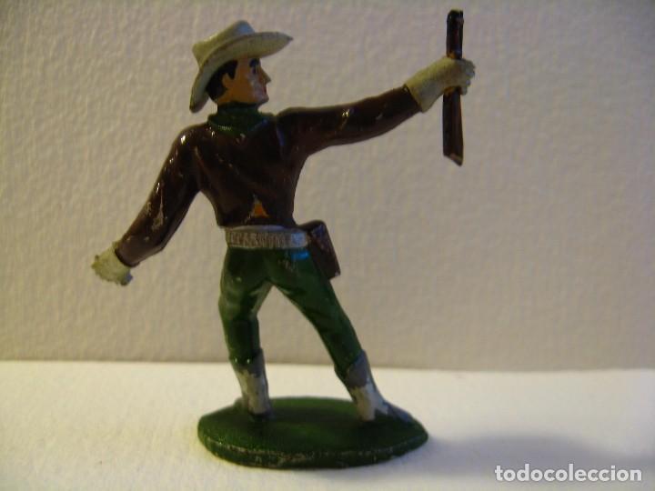 Figuras de Goma y PVC: VAQUERO COWBOY EN PIE, DE SOTORRES, GOMA, AÑOS 50 - Foto 2 - 74971627