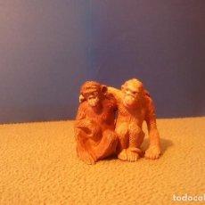 Figuras de Goma y PVC: PAREJA DE MONOS. Lote 75813143