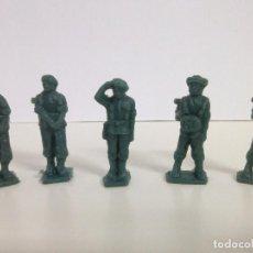 Figuras de Goma y PVC: 5 PARACAIDISTAS DEL EJERCITO- FIGURAS TODDY Nº 4, 10 Y 12. Lote 75815919