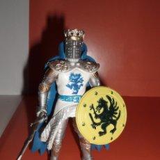 Figuras de Goma y PVC: FIGURA GUERRERO CABALLERO MEDIEVAL CON ARMADURA. Lote 76082131