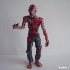 Figurines en Caoutchouc et PVC: FIGURA ZOMBI ALTURA 10 CM ARTICULACIONES MOVILES. Lote 76544383