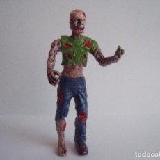 Figurines en Caoutchouc et PVC: FIGURA ZOMBI ALTURA 10 CM ARTICULACIONES MOVILES. Lote 76544491
