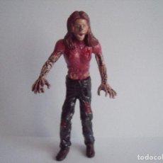 Figurines en Caoutchouc et PVC: FIGURA ZOMBI ALTURA 10 CM ARTICULACIONES MOVILES. Lote 76544619