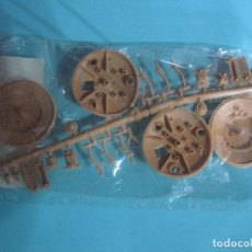 Figuras de Goma y PVC: MONTAPLEX- COLADA OVNI PLASTILLO VOLANTE- VENIAN EN LOS SOBRES MONTAPLEX-COLOR BEING. Lote 76682931