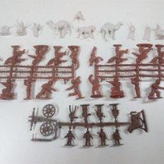 Figuras de Goma y PVC: LOTE DE COLADAS Y FIGURAS MONTAPLEX. Lote 76774279