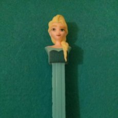 Dispensador Pez: DISPENSADOR DE CARAMELOS PEZ DISPENSADORES FROZEN ELSA DISNEY. Lote 76921559
