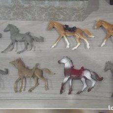 Figuras de Goma y PVC: LOTE ANTIGUOS CABALLOS COMANSI INDIOS Y VAQUEROS. Lote 78306253
