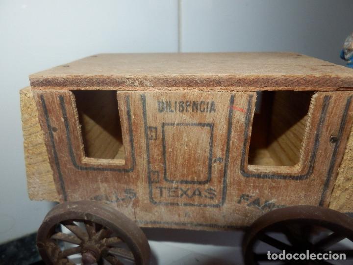 Figuras de Goma y PVC: caravana del oeste con caja original carreta de carga diligencia texas en madera fart west comansi - Foto 2 - 78650669