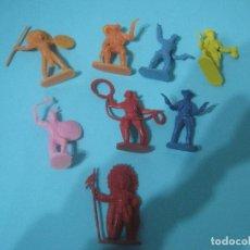 Figuras de Goma y PVC: MONTAPLEX- LOTE DE INDIOS Y VAQUEROS SERIE 200- PERTENECE AL SOBRE 227-. Lote 79057397