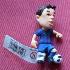 Figuras de Goma y PVC: INIESTA - COMANSI - NUEVO CON SU ETIQUETA - PRODUCTO OFICIAL FUTBOL CLUB BARCELONA - BARÇA - 7 CM. Lote 79209417