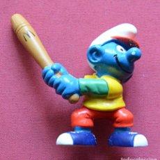 Figuras de Goma y PVC: PITUFO CON BATE DE BEISBOL - FIGURA MCDONALDS - PEYO 97 - PERFECTO ESTADO. Lote 79213557
