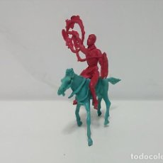 Figuras de Goma y PVC: FIGURA VAQUERO CON CABALLO PLÁSTICO MONOCROMO. Lote 79309589