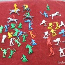 Figuras de Goma y PVC: LOTE 43 PIEZAS INDIOS, VAQUEROS Y CABALLOS GOMARSA AÑOS 70. Lote 80215041