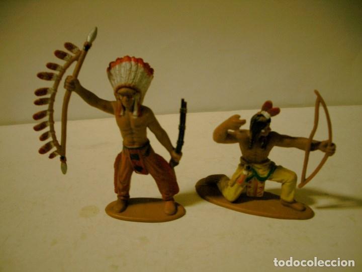 LOTE DE DOS INDIOS EN GOMA JECSAM , PECH ETC (Juguetes - Figuras de Goma y Pvc - Otras)