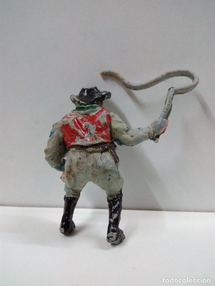 Figuras de Goma y PVC: VAQUERO - COWBOY CONDUCTOR DE CARRETA O DILIGENCIA . REALIZADO POR TEIXIDO . AÑOS 50 EN GOMA - Foto 2 - 81697764
