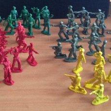 Figuras de Goma y PVC: MAGNIFICO LOTE 76 FIGURAS SOLDADOS PLASTICO SOTORRES, STARLUX, ETC AÑOS 70S. Lote 82485460