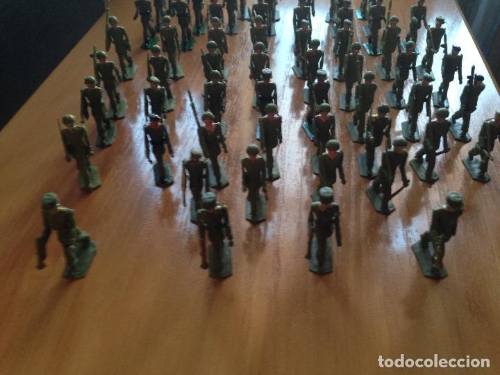 Figuras de Goma y PVC: ESPECTACULAR LOTE 62 SOLDADOS PLASTICO DESFILE MILITAR SOTORRES, TORRES MALTAS. - Foto 5 - 82486040
