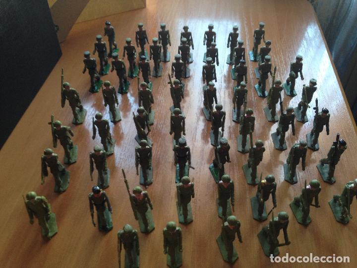 Figuras de Goma y PVC: ESPECTACULAR LOTE 62 SOLDADOS PLASTICO DESFILE MILITAR SOTORRES, TORRES MALTAS. - Foto 6 - 82486040