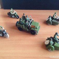 Figuras de Goma y PVC: LOTE JEEP MILITAR COMPLETO + 2 MOTOS + 2 SIDECARS SOLDADOS PLASTICO SOTORRES, TORRES MALTAS. Lote 82488320