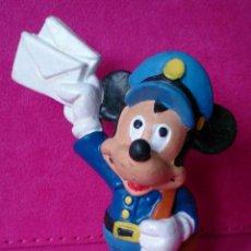 Figuras de Goma y PVC: FIGURA BULLYLAND MICKEY MOUSE DISNEY CARTERO POSTMAN . Lote 82596764