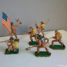 Figuras de Goma y PVC: AMERICANOS EN COMBATE, SOLDADOS DE PECH/OLIVER EN PLÁSTICO, ABANDERADO, SOLDADO...6 FIGURAS. Lote 82807836