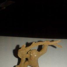 Figuras de Goma y PVC: COMANSI CHIMPANCE FIGURA DE PLASTICO AÑOS 60 ZOO AFRICA SALVAJE TARZAN. Lote 82965600