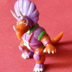 Figuras de Goma y PVC: FIFURA DE LA SERIE DINOSAUCERS - DINIPLATIVOLOS TRICEROS - TELECON 1988 - YOLANDA - SIN USO. Lote 84181772