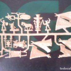 Figuras de Goma y PVC: MUÑECOS INDIOS -REFM1E3. Lote 84464044