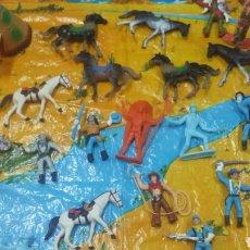 Figuras de Goma y PVC: LOTE FIGURAS DE COMANSI - INDIOS Y VAQUEROS - CAR96. Lote 85093776