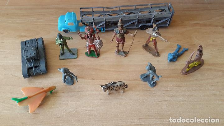 Figuras de Goma y PVC: lote 23 figuras animales persan y otras años 60s + regalo 12 figuras goma indios, soldados etc - Foto 13 - 85289532