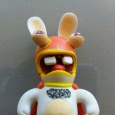 Figuras de Goma y PVC: FIGURITA RABBIT SUPER HEROE 10 CM. Lote 85468792