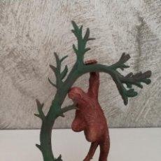 Figuras de Goma y PVC: MONO CHIMPANCÉ EN ÁRBOL HERMANOS PECH AÑOS 50. Lote 86414008