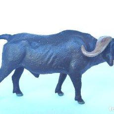 Figuras de Goma y PVC: BUFALO CAFRE (AFRICANO) LINEOL 1950 ANIMALES ZOO , PECH, LAFREDO, ARCLA. Lote 86527976