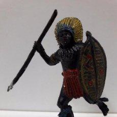 Figuras de Goma y PVC: GUERRERO AFRICANO NEGRO . REALIZADO POR TEIXIDO . SERIE SAFARI . AÑOS 60 EN PLASTICO. Lote 86862784