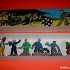 Figuras de Goma y PVC: FIGURAS GARAJE, GRAN PRIX, ESTACIÓN SERVICIO, 3 CMS, ESC 1/43 GOMA, PECH HERMANOS BARCELONA, AÑOS 50. Lote 86977060